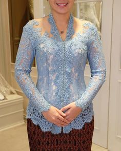 Model Kebaya Modern, Kebaya Modern Dress, Kebaya Dress, Kebaya Brokat, Dress Brokat, Kebaya Bali, Akad Nikah, Fashion Design Drawings, Traditional Outfits
