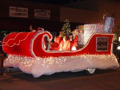 "christmas parade float themes | ... floats and/or entries be decorated according to the theme ""Christmas"