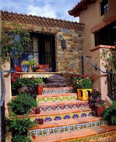 Садовые лестницы. Фотобрейк. Классические и современные решения для сада и террас.