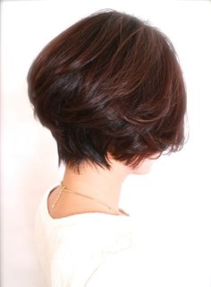 ☆大人の形が綺麗なグラデーションボブ☆(髪型ボブ) Dread Hairstyles, Hairstyles Over 50, Short Bob Hairstyles, Pretty Hairstyles, Short Hair Cuts For Women, Short Hair Styles, Classic Haircut, Hair Upstyles, Hair Remedies