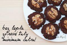 Kakaové cukroví bez lepku, zato s čokoládou a oříškem