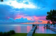 sunsurfer:    Sunset, Mobile Bay, Alabama   photo via meganxking
