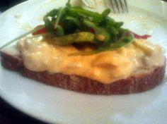 Sandwich cu pastă de ou Sandwiches, Pasta, Beef, Food, Meat, Essen, Ox, Paninis, Noodles