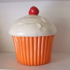I have been in love with this cupcake cookie jar for four years now...