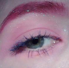 Eleanore wears pink eyeshadow sometimes. Me, not so much. Black please