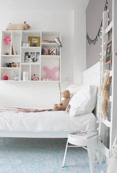 A perfectly pale interior with Nordic influences - Eclectic - Kids - Amsterdam - Louise de Miranda Big Girl Bedrooms, Girls Bedroom, Bedroom Decor, Design Bedroom, Nautical Bedding Sets, Creative Kids Rooms, Scandinavian Interior Design, Scandinavian Style, Blog Deco