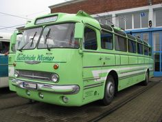 omnibus-ikarus-55-busbetriebe-wismar-90764 | Classic Trucks, Classic Cars, New England Fall, Road Train, Bus Coach, Classic Motors, Bus Driver, Limousine, Commercial Vehicle