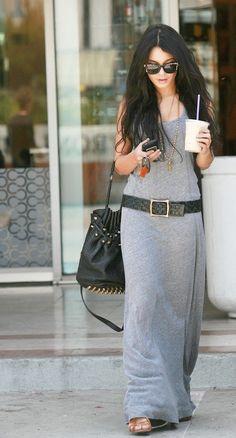 This is my warm weather go to travel look - Maxi tank dress, big black belt, and big black bag ❤ #tankdress