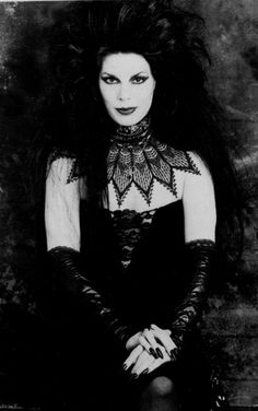 Patricia Morrison, 1986 (via empiregrotesk, nowthisisgothic) via dubstepcholla Vintage Goth, 80s Goth, Punk Goth, Manado, Patricia Morrison, Goth Music, Goth Subculture, Romantic Goth, Sisters Of Mercy