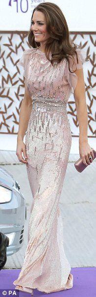 I Love Her #dresses, #fashion, #gorgeousdresses, #pinsland, https://apps.facebook.com/yangutu