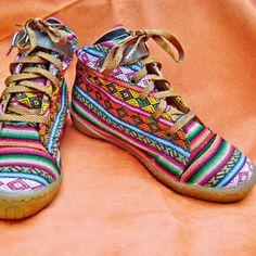 Zapatillas con tejido andino