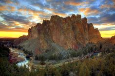 smith rock state park in central oregon
