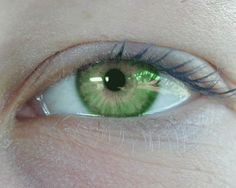 Descriptive Faces--A Resource for Writers: Eyes--Color These are considered to be bright green eyes: Very rare! // Caroline eyes!