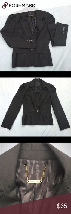 "Trina Turk one button blazer 2 Absolutely perfect condition. Pleated shoulders, detailed seems, and pleated back waist provide feminine details. Approximately 32""bust, 23 "" length, 19"" arm length sleeve. ✅offers❌trades/PP 💰bundles save 20% off 2+ Trina Turk Jackets & Coats Blazers"