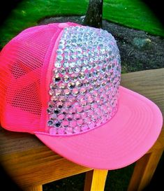 aa8c80612fedcc I want this snapback for summer 2013! Pink Summer, Summer Diy, Summer Hats