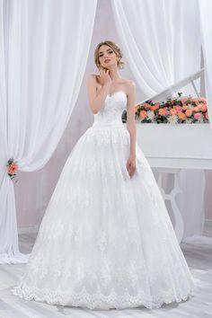 "Wedding dress by Belleza e Lusso. Collection ""Piano"" / Свадебное платье от Belleza e Lusso. Evening Dresses, Groom, Plus Size, Bride, Wedding Dresses, Creative, Womens Fashion, Outfits, Inspiration"