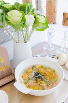 Create the perfect Soup Buffet - Fashionable Hostess Fashionable Hostess, Fall Soup Recipes, Fall Table Settings, Table Setting Inspiration, Chicken Noodle Soup, Thanksgiving Table, Wow Products, Buffet, Dinner