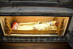 Johannes Baptista Carrara Cardinal Sarcophagus: Milan Cathedral by The Art of Creativity Studio