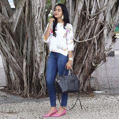 jeans pants; floral shirt; pink shoes