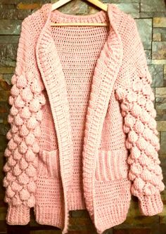 Crochet knit cardigan or bag with balloon stitch on the sleeves - Crochet Woman, Crochet Baby, Crochet Top, Baby Sweater Patterns, Cardigan Pattern, Gilet Long, Chunky Knit Cardigan, Crochet Winter, Cardigan Outfits