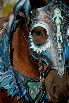 Cet article n'est pas disponible - Cet article n'est pas disponible Medieval armor horse tack leather Games of thrones Horse Armor, Horse Gear, Horse Tack, Pretty Horses, Beautiful Horses, Animals Beautiful, Medieval Horse, Medieval Armor, Horse Halloween Costumes