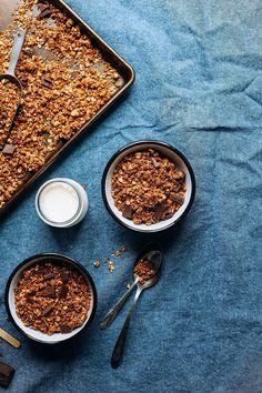 Dark Chocolate GRANOLA with sea salt! 9 ingredients, 30 minutes, naturally sweetened! #vegan #glutenfree #granola #chocolate #minimalistbaker