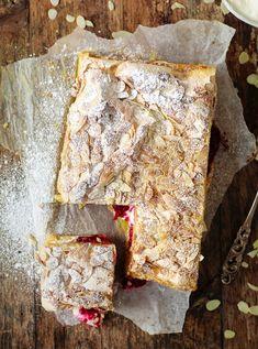 Gluteeniton britakakku – makeaa marenkia ja raikkaita marjoja   Maku Vegan Treats, Gluten Free Baking, Something Sweet, Sweet And Salty, Desert Recipes, Let Them Eat Cake, Yummy Cakes, No Bake Cake, Catering