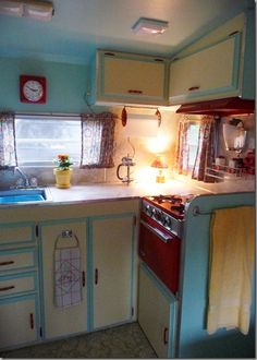 Cute Camper Kitchen from the VintageBagLady at cheneybaglady.blogspot.com