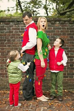 family photo idea for 2013 Christmas, parents tied toghter by kids photo, funny Christmas family pictures