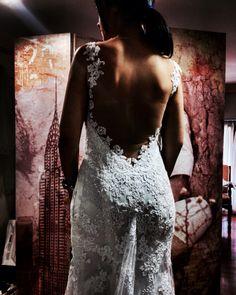 #backlessweddingdress #lace #vintage #couple Μοναδικό Νυφικό με χαμηλή πλάτη και δαντέλα...Σχεδίαση-Δημιουργία Mary Despoti