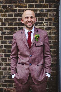 Wedding Tweed Burgundy Suit Groom http://www.loveohlove.com/ #groom #groomsuit
