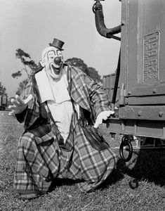 Graphic Clown Ringling Circus clown Lou Jacobs in Sarasota, Florida. Ringling Circus clown Lou Jacobs in Sarasota, Florida. Image Number Year ca 1941 Series Title General: Steinmetz collection. Old Circus, Circus Art, Circus Clown, Le Clown, Creepy Clown, Ringling Bros Circus, Famous Clowns, Vintage Clown, Send In The Clowns