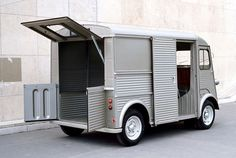 1939 Citroen TUB (Traction Utilitaire du type B) - design beauty through visual simplicity and material consistency. Citroen Type H, Citroen H Van, Psa Peugeot Citroen, Cool Vans, Cars Motorcycles, Recreational Vehicles, Vintage Cars, Dream Cars, Super Cars