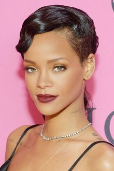 Lady is a Vamp: Best Dark Lips of 2012 - Rihanna ---Also, how is her skin so freakin perfect?