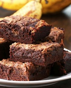 Peanut Butter Banana Brownies Recipe by Tasty Stop Throwing Away Overripe Bananas And Make These Chocolatey Peanut Butter Banana Brownies Mini Desserts, Just Desserts, Delicious Desserts, Dessert Recipes, Baking Desserts, Cake Baking, Bar Recipes, Health Desserts, Cream Recipes