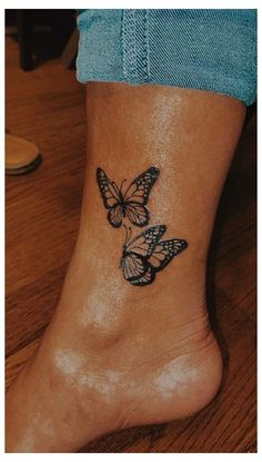 Butterfly Ankle Tattoos, Butterfly Tattoos For Women, Tiny Tattoos For Girls, Cute Tiny Tattoos, Butterfly Tattoo Designs, Dope Tattoos, Unique Tattoos For Women, Ankle Tattoos For Women, Rose Hand Tattoo