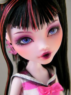 "Monster High Draculaura ""Starry Eyes"" repaint doll"