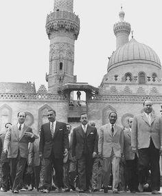 جمال عبد الناصر و زكريا محي الدين و حسين الشافعي و السادات في الأزهر