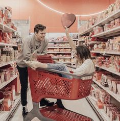 80 Romantic Relationship Goals All Couples Desire To Have - Page 10 of 80 - Today Pin Relationship Goals Pictures, Cute Relationships, Couple Relationship, Boyfriend Goals Teenagers, Boyfriend Girlfriend, Couple Goals Cuddling, Cute Couple Pictures, Cute Couples Goals, Hopeless Romantic
