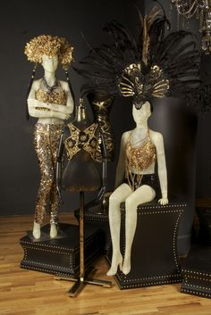 Black and Gold by Ami Goodheart, on display at Lifestyle Trimco