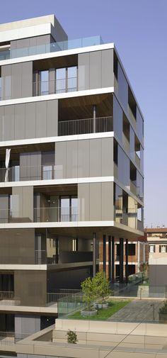 Gallery of Conversion of a Building / Antonio Citterio Patricia Viel and Partners  - 18