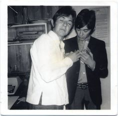 Rare snapshot of Ronnie Lane and Ian McLagan of the Small Faces, c. 1966 (C) Photographer unknown Kenney Jones, Ronnie Lane, Faces Band, Steve Marriott, Ronnie Wood, Small Faces, Northern Soul, Music Photo, In The Flesh
