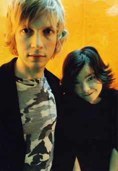 Bjork & Beck - 1998 - Rockin'on (japon).  Photos: naka