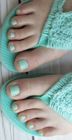 Nice Toes, Pretty Toes, Beach Feet, Gorgeous Feet, Beautiful, Pedicure Colors, Summer Toe Nails, Fashion Sandals, Shoes Sandals