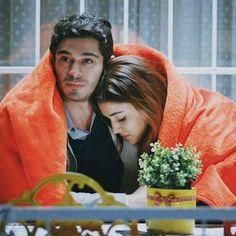 """Tu juda hoke jaane kyun mila hai Sab le gaya mujhme baaki kya raha hai Follow me @haymur.loveeee…"" Cute Kids Photography, Couple Photography Poses, Cute Love Couple, Best Couple, Romantic Couples, Cute Couples, Murat And Hayat Pics, Indian Wedding Couple Photography, Cute Love Stories"