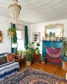 Awesome Bohemian Decor Ideas For Bedroom. Below are the Bohemian Decor Ideas For Bedroom. This article about Bohemian Decor Ideas For Bedroom was posted under the Bedroom category by our team at March 2019 at pm. Hope you enjoy it and don& forget to . Bohemian Interior Design, Bohemian Decor, Boho Chic, Modern Bohemian, Shabby Chic, Boho Living Room, Living Room Decor, Bedroom Decor, Modern Bedroom