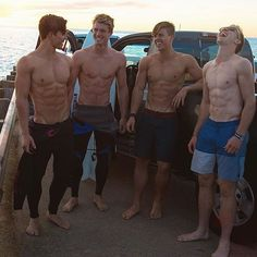 Inspirational images of shirtless men to promote fitness and disinhibition. We want to inspire others to meet their fitness, weight loss, and body building goals; as well as encouraging guys to feel comfortable going shirtless. Beautiful Boys, Pretty Boys, Surfer Guys, Hommes Sexy, Mode Masculine, Shirtless Men, Hot Boys, Male Body, Bodybuilder