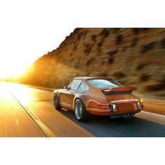 Singer Porsche.