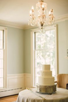 Classically Preppy Whitford Plantation Wedding | http://classicbrideblog.com/2015/05/preppy-whitford-plantation-wedding.html/ / Image by Red Boat Photography.
