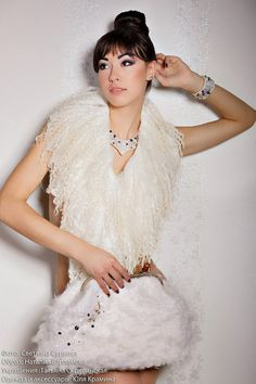 Hey, I found this really awesome Etsy listing at https://www.etsy.com/listing/213820731/felted-scarf-collar-fur-white-cream